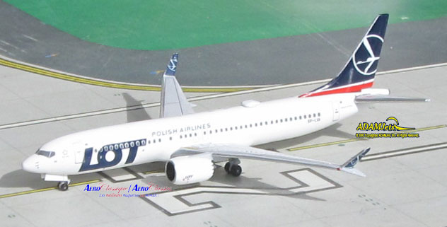 LOT - Polish Airlines^Boeing B737-8Max Reg. SP-LVA