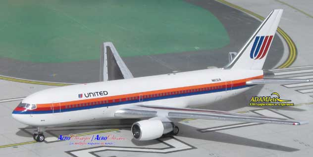 United Airlines Boeing B767-222 Reg. N613UA