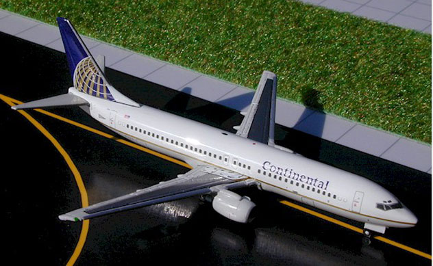 Continental Airlines Boeing B737-824 Reg. N12216