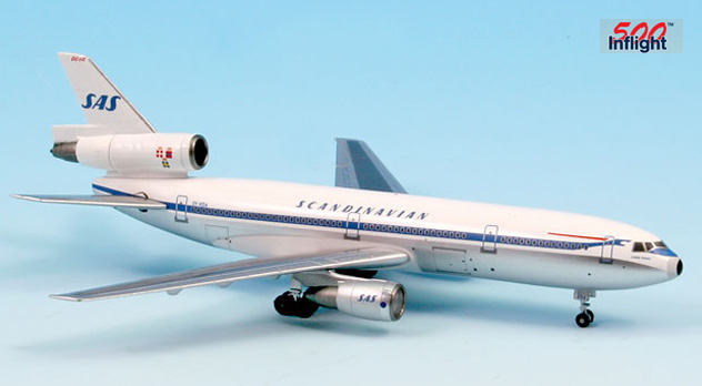 in flight 500 adamjets airplane models gemini jets herpa corgi aero classics. Black Bedroom Furniture Sets. Home Design Ideas