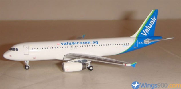Valuair Airlines Airbus A320-232 Reg. 9V-VLA